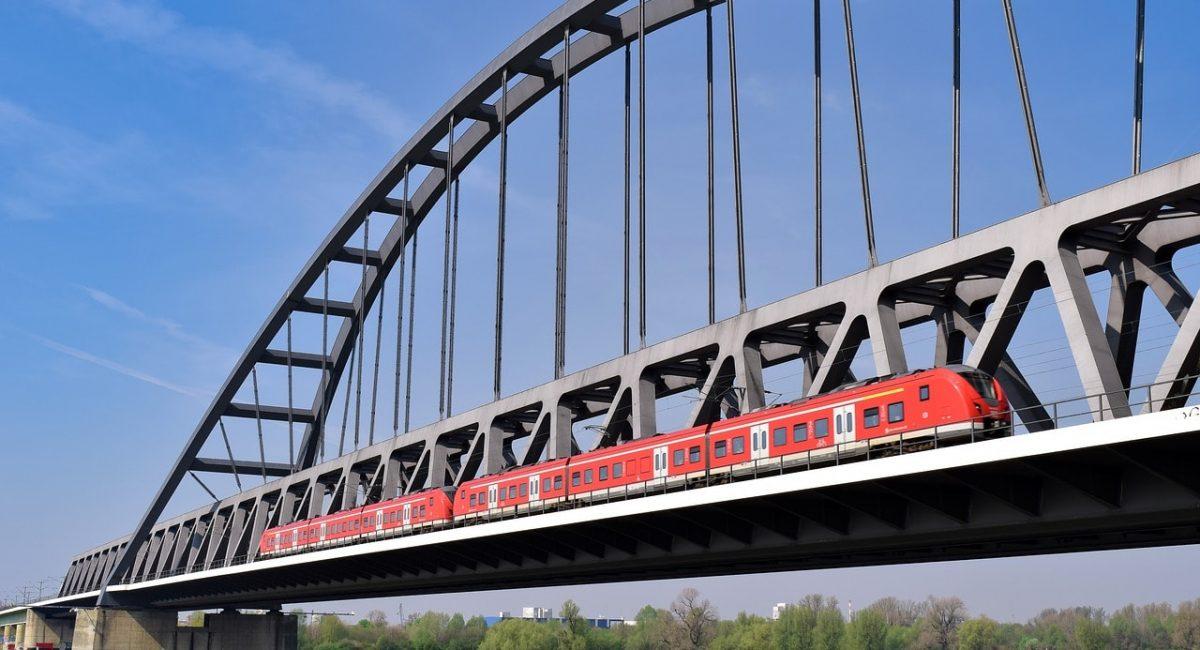 bridge-4129214_1280-min