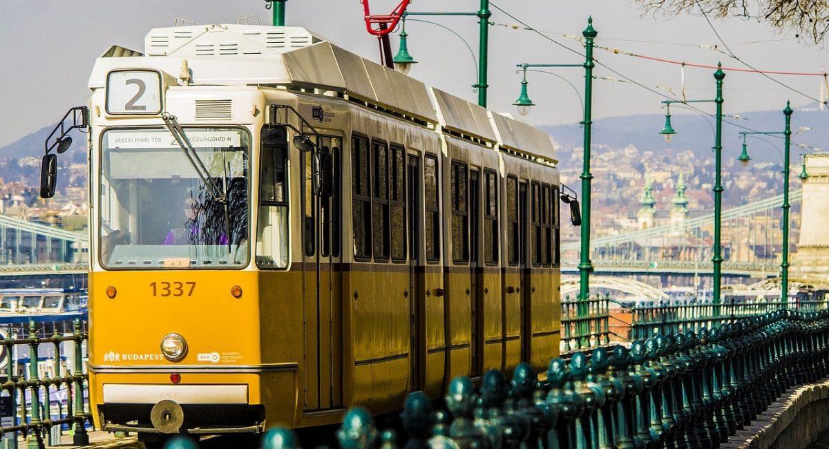 budapest-2161750_1280-min