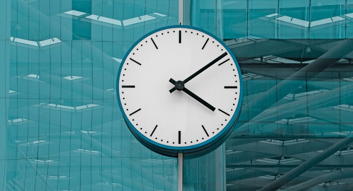 clock-2645746_1280-min