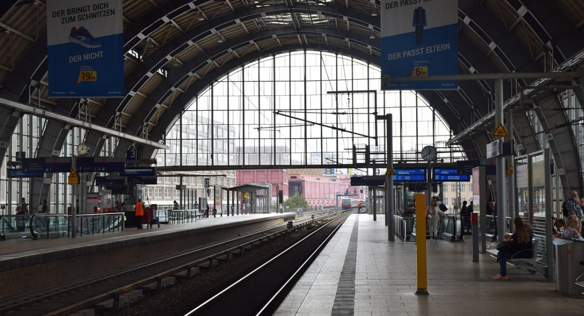 station-3715978_1280-min
