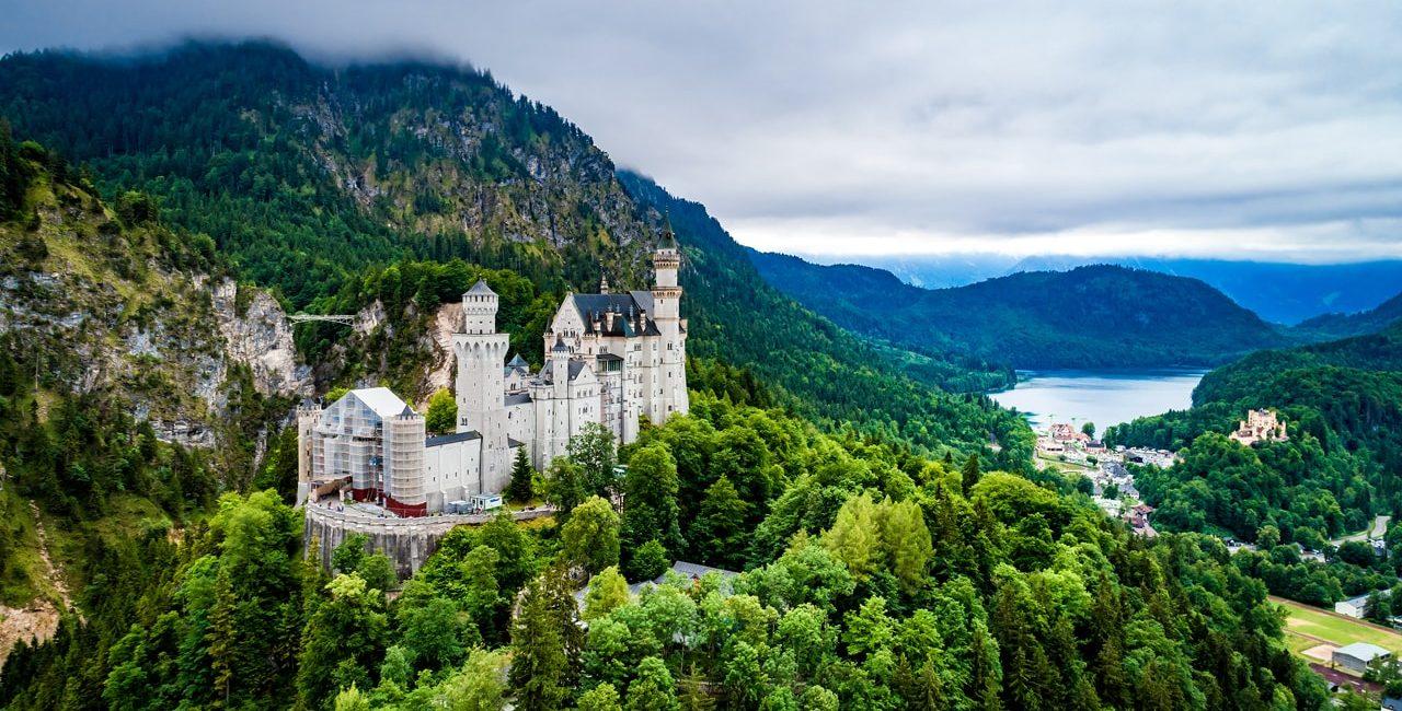 Neuschwanstein Castle -min