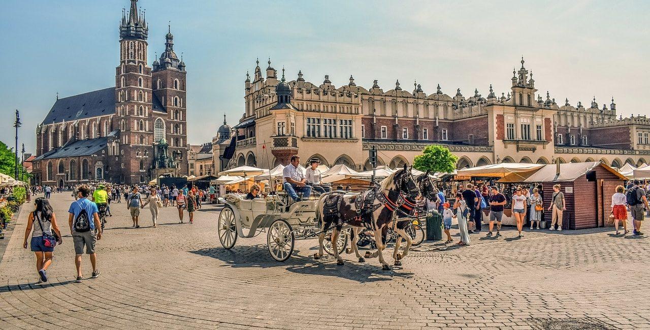 krakow-4439817_1280-min